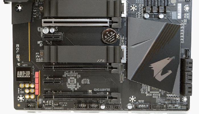 три слота PCI Express x16
